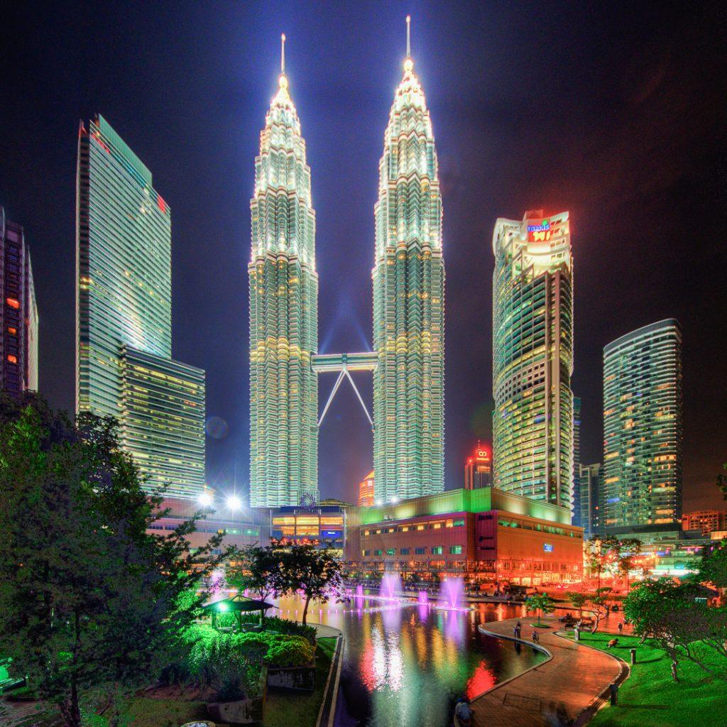 Petrona Towers, Kula Lumpur, night, hdr